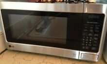 LG Countertop Microwave Oven with Easy Clean 1 1 cu  ft  excellent condition