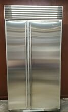 SUB ZERO STAINLESS STEEL 42  MODEL 642 O REFRIGERATOR FREEZER