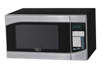 Oster 0 9 cu  ft  900 Watt Countertop Microwave Oven in Black  Stainless