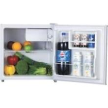 Lorell 1 6 Cu ft  Compact Refrigerator   1 60 Ft   Manual Defrost   White