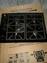 GE   Profile 30  Built in Gas Cooktop   Black