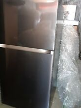 Samsung   21 1 Cu  Ft  Top Freezer Refrigerator   Fingerprint Resistant Black St