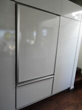 3995 Thermador Refrigerator Model KBURT3671A 02 w Freezer FRAMED PANEL viking