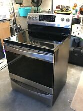 Kenmore 5 4 cu  ft  Electric Range w  Convection Oven   Stainless Steel