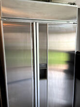 SubZero 48  590 With ice maker and water dispenser 2 Year Warranty