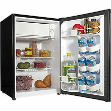 Haier 3 3 cu ft Refrigerator Mini Dorm Cooler Compact Fridge Freezer Black New