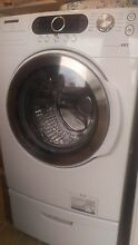 NICE Samsung Front Load Washer   works great  Pick up in Independence  Missouri