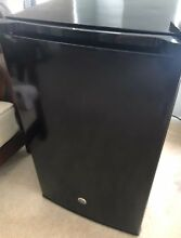 GE Mini Refrigerator 4 4 Cu  Ft  Dorm   Bar Fridge GME04GGKBB Black  239 New