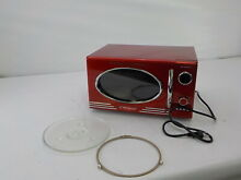 Nostalgia RMO400RED   Retro 0 9 Cubic Foot 800 Watt Countertop Microwave  Red