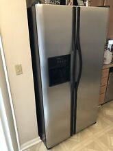 Frigidaire 25 6 Cu Side by Refrigerator in Stainless Steel  Silver