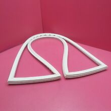 1 MAYTAG REFRIGERATOR FZ WHITE DOOR GASKET  SOME STAINS  NO RIPS  67004933