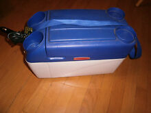 RUBBERMAID VECTOR Portable Mini Hot   Cold Refrigerator W Power Car Charger L K