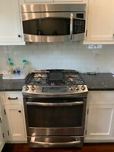 GE Profile Gas Range and matching Microwave   1 Yr Old   Perfect Condition