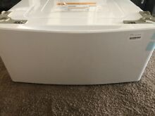 LG 29  Washer   Dryer Pedestal Model  WDP5W Color   White   Dented   Scratched