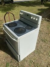 Electric Stove and Oven Still Working