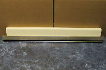 WHITE WESTINGHOUSE REFRIGERATOR BEVERAGE RACK W  TRIM PART   3206307