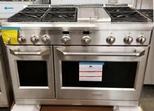 NEW OUT OF BOX GE MONOGRAM 48  ALL GAS RANGE WITH 6 BURNERS   GRIDDLE