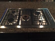 Fisher   Paykel Cook Top 36  Stainless Steel Gas Cooktop  5 burners