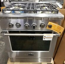 NEW OUT OF BOX DCS 30  4 BURNER GAS RANGE CONVECTION STAINLESS STEEL