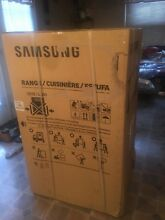 Samsung stainless steel smooth top electric range brand New in box never used