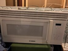 Bosch 300 Series 30  over The Range Microwave Oven in White