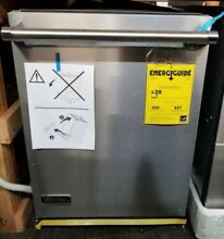 NEW OUT OF BOX VIKING BUILT IN DISHWASHER STAINLESS STEEL W PROFESSIONAL HANDLE