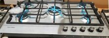 NEW OUT OF BOX FISHER PAYKEL STAINLESS STEEL 36  COOKTOP 5 SEALED BURNERS LP GAS