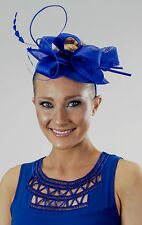 Sinamay fascinator with loops and pointed edge
