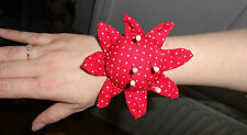 PIN CUSHION WITH VELCRO WRIST STRAP DRESSMAKERS SEWING NEEDLES RED  UK SELLER