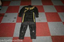 AKITO BLACK YELLOW LADIES TWO PIECE MOTORCYCLE LEATHER SUIT SIZE UK 14 / D 42