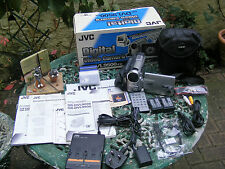 JVC GR-DVL9500 CAMCORDER IN G/W/ORDER BOXED WITH ALL THE KIT SEE PICTURES
