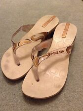 LADIES SANDALS USED IDEAL BEACH HOLIDAY SUMMER SIZE 5 BEIGE PLASTIC COMFY*MARKS