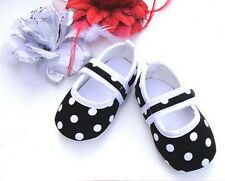BLACK SPOTTED  BABY CRIB SHOE SIZE GUIDE IN LISTING