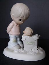 """PRECIOUS MOMENTS """"YOU JUST CAN'T CHUCK A GOOD FRIENDSHIP"""" - #PM-882 - NEW IN BOX"""