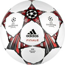 adidas Capitano Finale UCL 2012 - 2013 Soccer Ball White / Red / Black Brand New
