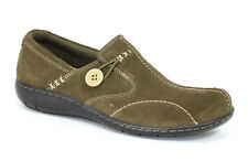 Clarks Womens 39307 Sixty Delta Slip On Loafer Walking Shoes [ Olive ]