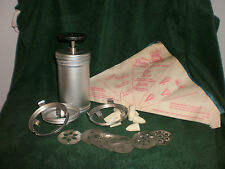 VINTAGE MIRRO COOKIE PRESS WITH 11 DIES-3 COLLARS CLEAN -MADE IN USA