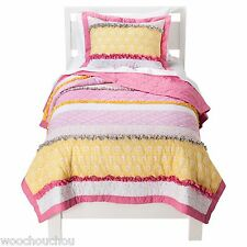 New Circo Happily ever after Girls Quilt and Sham Bedding Set Pink- Twin/Full