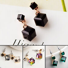 Square Shaped Pair of Exquisite Crystal Earbobs Earrings for Women Lady