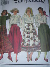 SIMPLICITY #9876 LADIES ¾ LENGTH PLEATED - BUTTON DOWN or ZIP SKIRT PATTERN 6-24