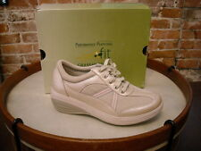 Joy Mangano Champagne GetFit SNEAKERS BY Grasshoppers NEW
