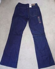 NWT LEVIS SAN FRANCISCO SLIGHT CURVE  DARK BOOTCUT JEANS $54 for straight figure