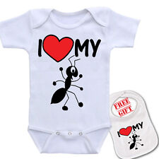 """ I Love my Aunt (ant) ""Custom Novelty cute baby Bodysuit Romper one piece & bib"