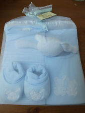 Five piece gift set from Bee Bo 0-3 mths 3 colours newborn gift/baby shower