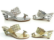 LADIES TOE LOOP PARTY EVENING WEDGE MULES SANDAL,BLACK GOLD SILVER SIZE 3-8 DL29