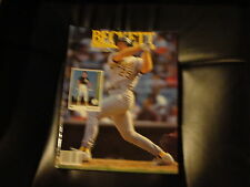 MARK MCGWIRE OAKLAND A'S ON COVER OF AUG.1992 ISSUE #89 BECKETT BASEBALL CARDS