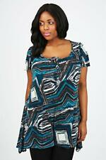 LADIES GREEN WHITE AND BLACK GEOMETRIC PRINT TUNIC TOP IN SIZE 18 BNWT