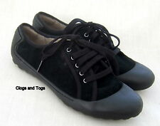 NEW CLARKS FLIPPY BEAUTY BLACK SUEDE SHOES