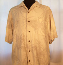 Genuine TOMMY BAHAMA buttoned Hawaiian SHIRT Tropical Pattern Medium excellent!