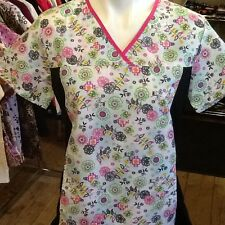 S and M Beverly Hills Spandex Sides Print Scrub Top...$7.99 NWT